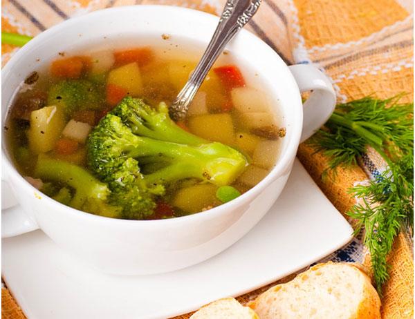 brokolicovo-fazulova-polievka